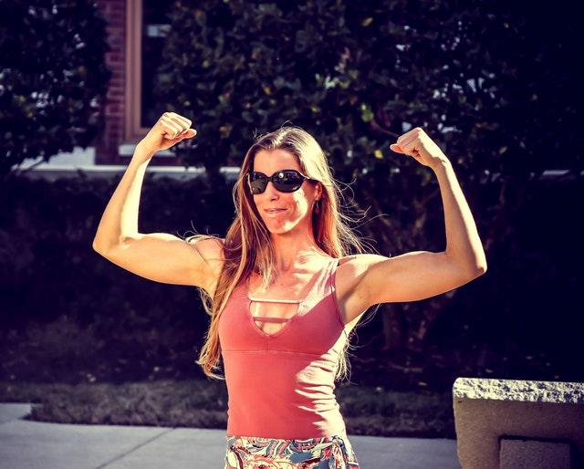 Modi per costruire il muscolo più veloce